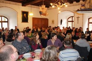 Ehemaligentreffen der Ansbacher Jugendkantorei auf Burg Wernfels im Anschluss an die Entpflichtung von KMD Rainer Goede