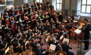 die Ansbacher Kantorei und das Kammerorchester Capella Onoldia